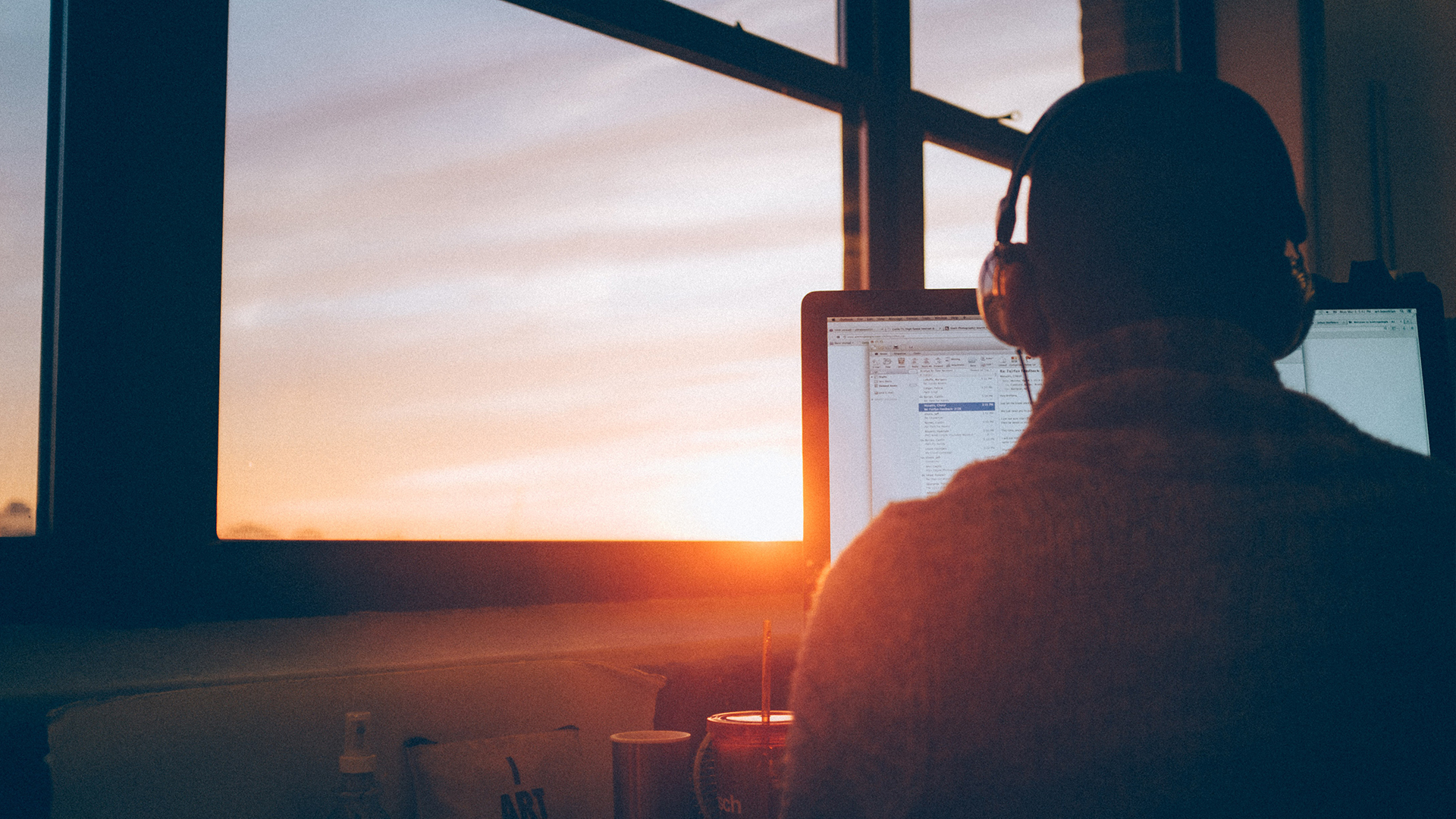 REMOTE WORKING LEADING AND WORKING FROM HOME